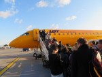 真っ黄色の飛行機